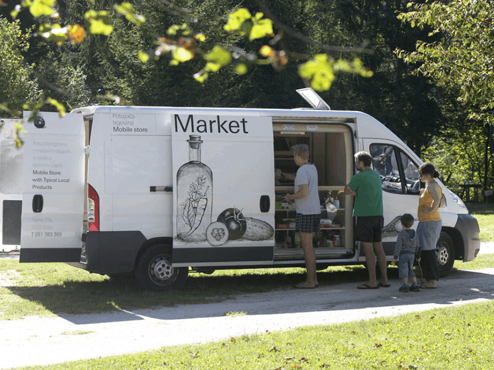 Mobile grocery store in action