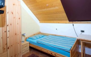 Apartments, wooden houses or rooms